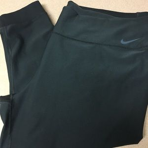 NWT! Nike Dri-Fit Plus Size capris